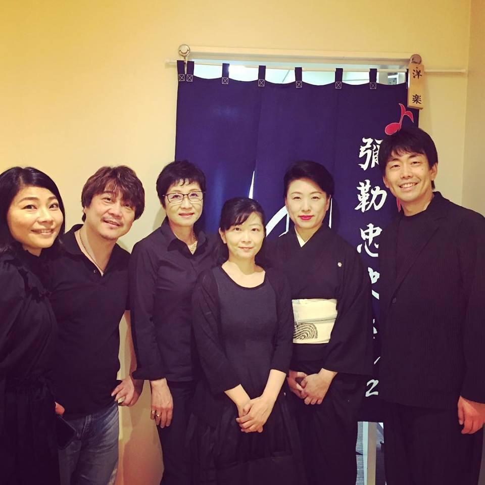 《源氏物語》<br>洋楽隊オリジナル・メンバーと<br>箏奏者の川瀬露秋さん
